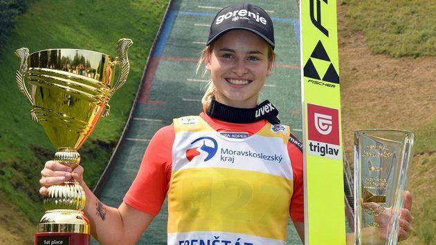 Memoriál Jiřího Rašky ve Frenštátu pod Radhoštěm, jenž byl jediným závodem letní Grand Prix skokanek na lyžích, vyhrála Slovinka Nika Križnarová.