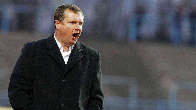 Plzeňský trenér Pavel Vrba sleduje zápasy slovenské ligy.