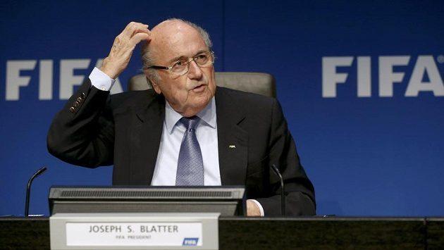 Prezident FIFA Sepp Blatter bude muset řešit dopis od amerických senátorů.