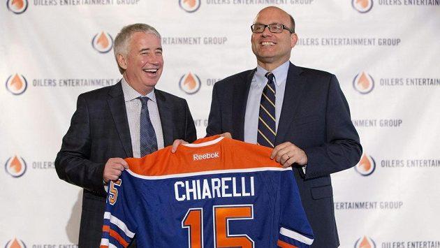 Peter Chiarelli (vpravo) se stal novým generálním manažerem Edmontonu.