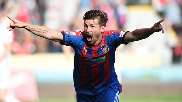 Plzeňský Václav Pilař se raduje z gólu proti Olomouci.