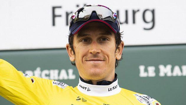 Britský cyklista Geraint Thomas z týmu Ineos slaví triumf v závodu Kolem Romandie.