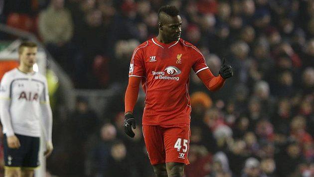 Jen velmi stroze oslavil Mario Balotelli svůj první ligový gól v dresu Liverpoolu.