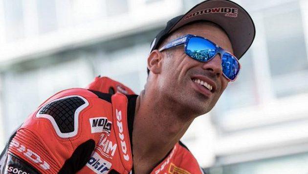 Italský závodník Marco Melandri se vrací do světového šampionátu superbiků.