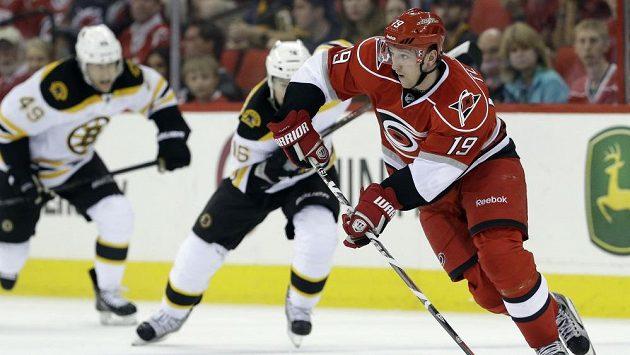 Sezóna Jiřího Tlustého je z hlediska individuálních statistik vůbec jeho nejúspěšnější za působení v NHL (19+10).