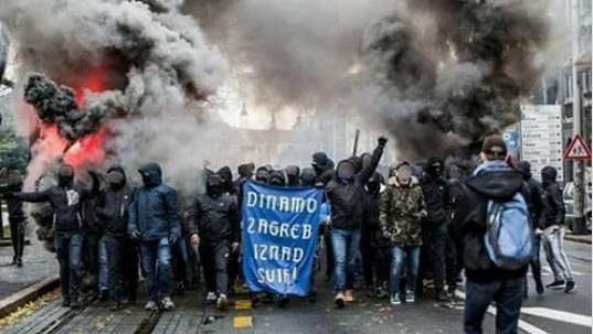 Tvrdé jádro fanoušků Dinama Záhřeb to jsou pořádně ostří hoši, kteří často zaměstnávají policii (ilustrační foto).