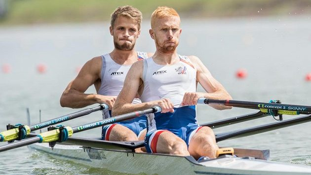 Veslaři Miroslav Vraštil (vpravo) a Jiří Šimánek.