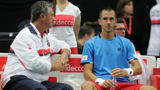 Lukáš Rosol (vpravo) předvedl proti Francii výborné výkony. Scházel ale Tomáš Berdych, ví Jaroslav Navrátil (vlevo).