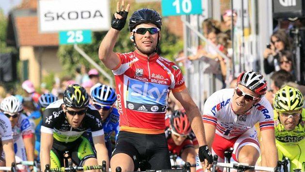 Mark Cavendish v cíli třinácté etapy Gira.