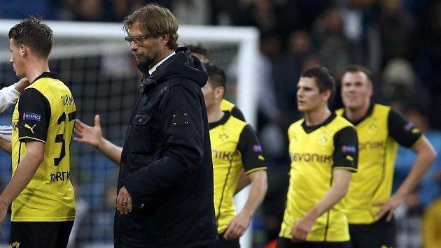 Kouč Dortmundu Jürgen Klopp se svými svěřenci.