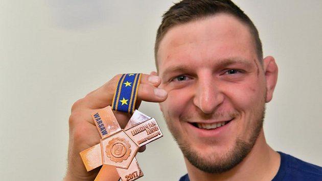 Judista Lukáš Krpálek s bronzovou medailí z ME ve Varšavě..