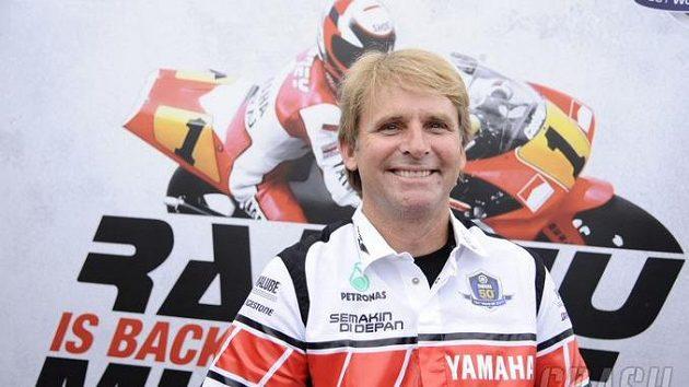 Wayne Rainey znovu jezdí na motorce.