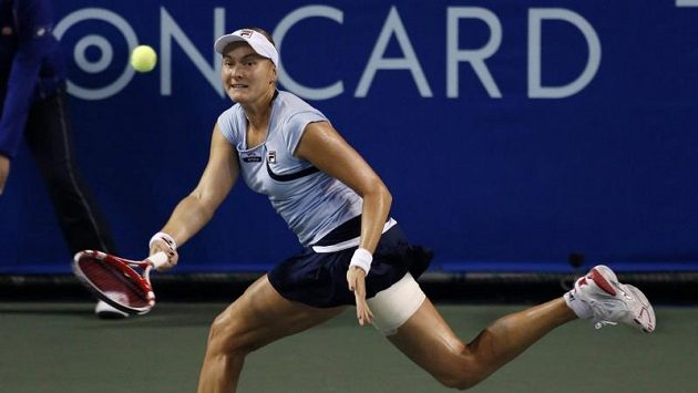 Ruská tenistka Naděžda Petrovová na turnaji v Tokiu