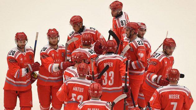 Třinečtí hokejisté slaví vítězství nad Stavangerem v LM.