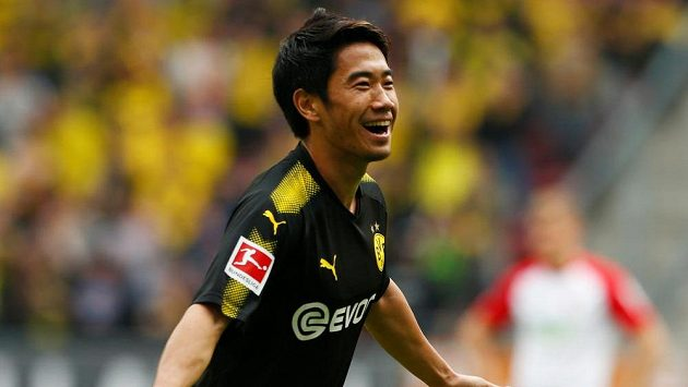 Šindži Kagawa rozhodl svým gólem o výhře Dortmundu v Augsburgu.