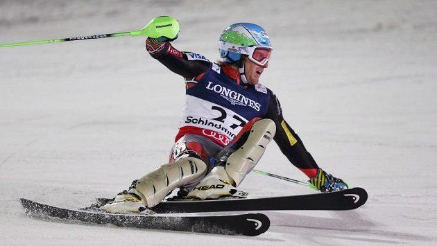 Americký lyžař Ted Ligety se raduje z triumfu v superkombinaci.