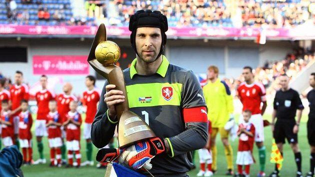 Brankář Petr Čech má Zlatý míč pro nejlepšího českého fotbalistu sezóny předplacený. Vyhrál ho už podeváté...