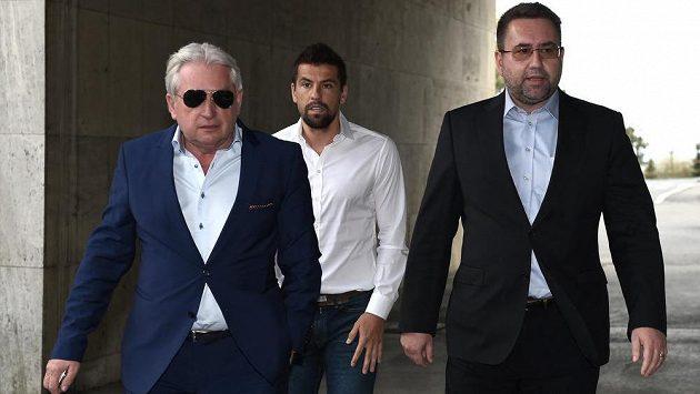 Majitel Baníku Ostrava Petr Šafarčík (vpravo) pravděpodobně prodal klub.