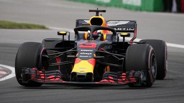 Daniel Ricciardo v kokpitu Red Bullu.