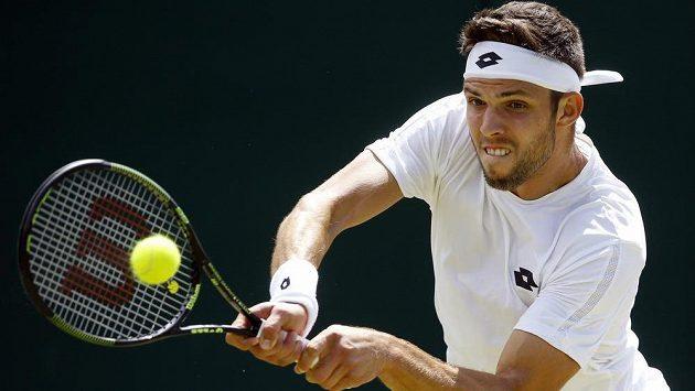 Jiří Veselý v osmifinálové bitvě ve Wimbledonu svého ostřílenějšího krajana potrápil.