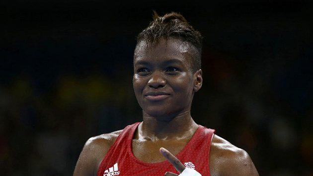 Britská boxerka Nicola Adamsová