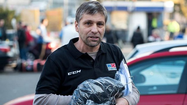 Trenér hokejové reprezentace Josef Jandač na archivním snímku.