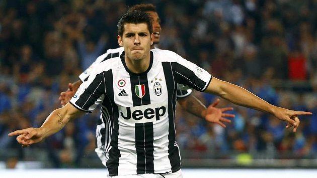 Alvaro Morata trefil Juventusu pohár.