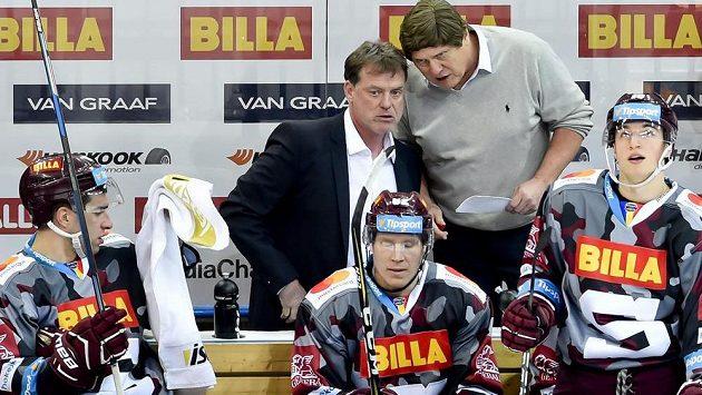 Trenéři Sparty Radim Rulík (vlevo) a František Výborný.