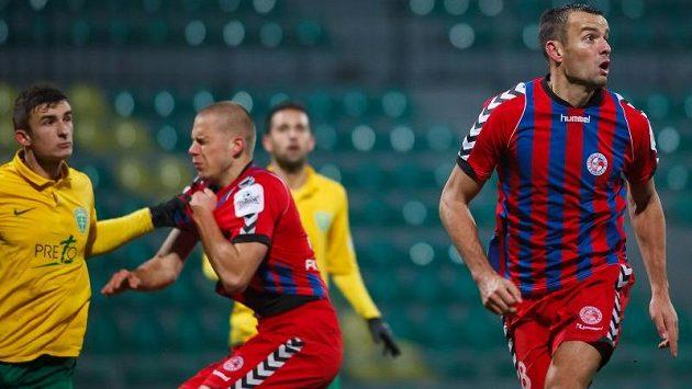 Erich Brabec (vpravo) už dres Senice oblékat nebude.