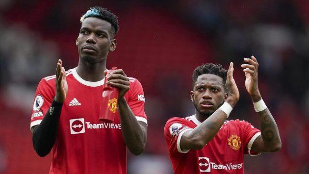 Hráči Manchesteru United Paul Pogba (vlevo) a Fred