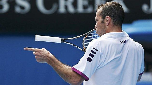 Gesto Radka Štěpánka po prohraném míčku v souboji s Novakem Djokovičem na Australian Open.