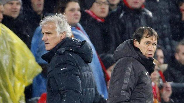 Trenér Feyenoordu Rotterdam Fred Rutten (vlevo) a kouč AS Řím Rudi Garcia.