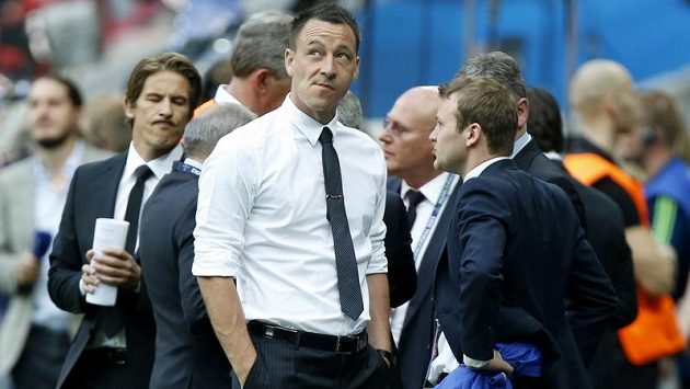 Stoper John Terry, který Chelsea chyběl kvůli vyloučení v semifinálové partii s Barcelonou, prožíval v civilu muka