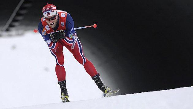 Norský běžec na lyžích Martin Johnsrud Sundby přišel kvůli porušení dopingových pravidel o celkové vítězství ve SP ze sezóny 2014/15.