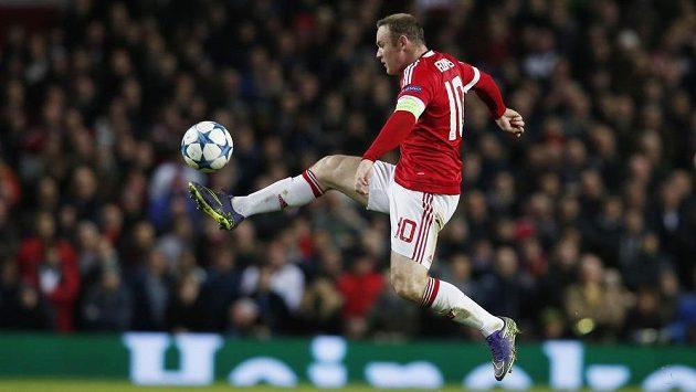 Zraněný Wayne Rooney bude Manchesteru United chybět.