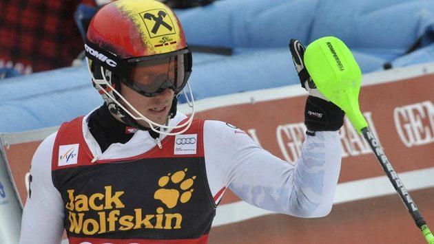 Rakušan Marcel Hirscher obhájil velký glóbus pro celkového vítěze SP ve sjezdovém lyžování.