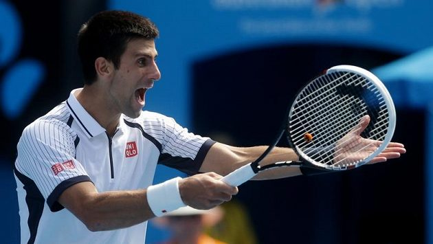 Novak Djokovič v utkání s Radkem Štěpánkem na Australian Open.