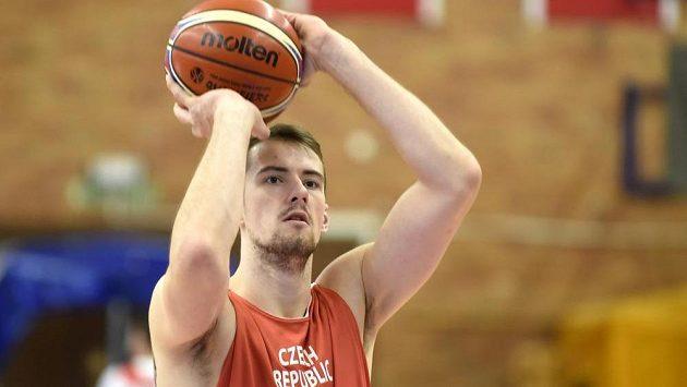 Český basketbalista Ondřej Balvín na archivním snímku.
