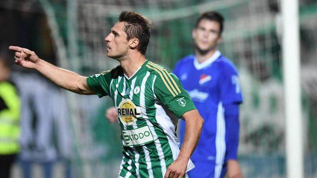 Útočník Bohemians Jevgenij Kabajev se raduje z vyrovnávacího gólu proti Baníku.