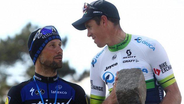 Belgičan Tom Boonen (vlevo) popáté závod Paříž-Roubaix nevyhrál. Překvapivě zvítězil Australan Matthew Hayman.