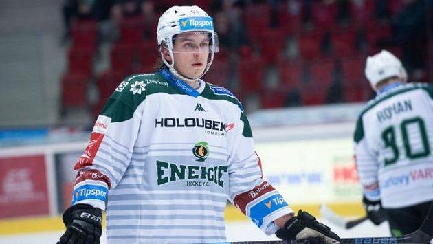 Karlovarský hokejový obránce Ondřej Šafář se podrobil operaci kolena a dočasně přerušil kariéru.
