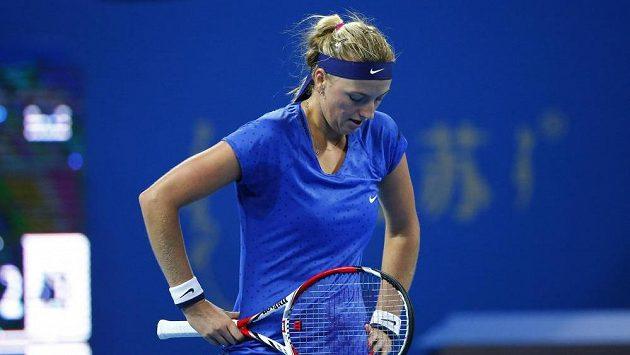 Petra Kvitová během finále v Pekingu s Marií šarapovovou.