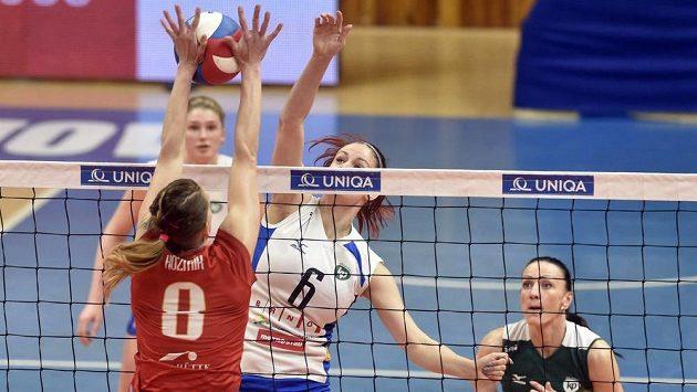 Zleva Gabriela Tomašeková z Prostějova a Klára Vyklická a Markéta Chlumská z Brna.