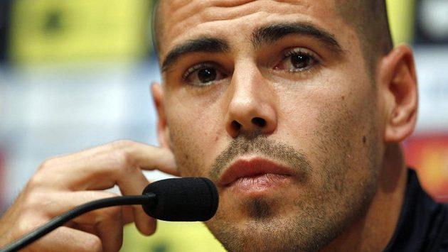 Victor Valdés na tiskové konferenci