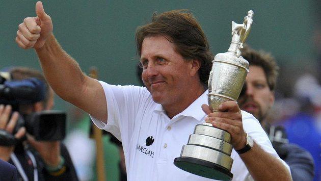 Phil Mickelson se raduje z prvenství na British Open.