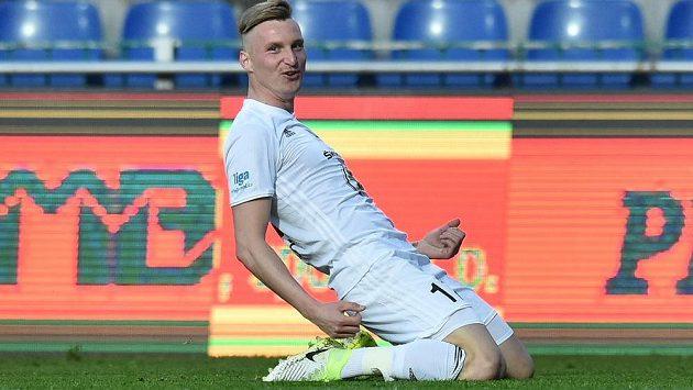 Petr Mareš z Mladé Boleslavi se raduje z gólu v síti Jihlavy v utkání 27. kola ligy.