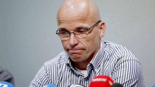 Steffen Kjaergaard na úterní tiskové konferenci v Oslu.