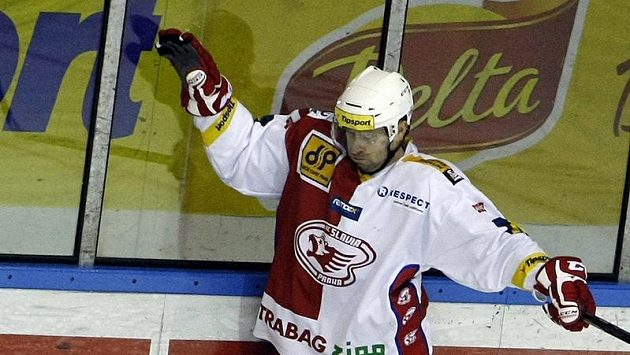 Jaroslav Bednář během letošní sezóny krátce oblékl dres Slavie. V dalších třech letech by měl být oporou sešívaných.