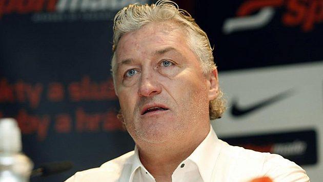 Miloš Říha, trenér hokejistů bratislavského Slovanu.