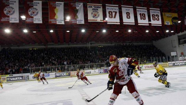 Hokejisté Slavie hráli v Edenu play out už v roce 2012.